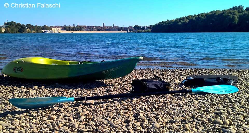 christian-falschi-rivage-du-rhone-avec-canoe