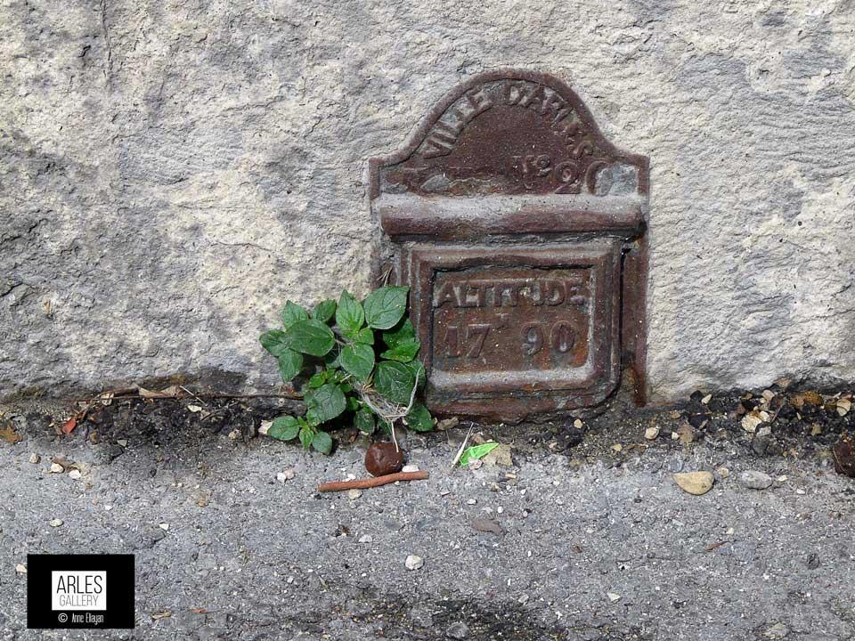 galerie-mesure-amphitheatre-arles-Anne-Eliayan-photo