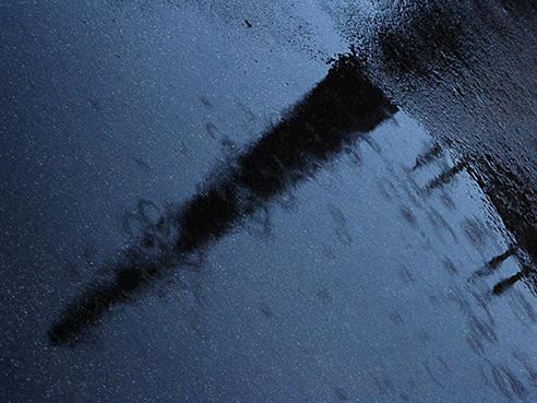 jm obelisque sous la pluie un dimanche xs