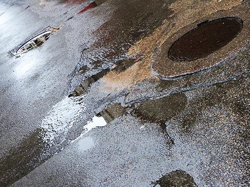 jm rue Réattu après la pluie xs