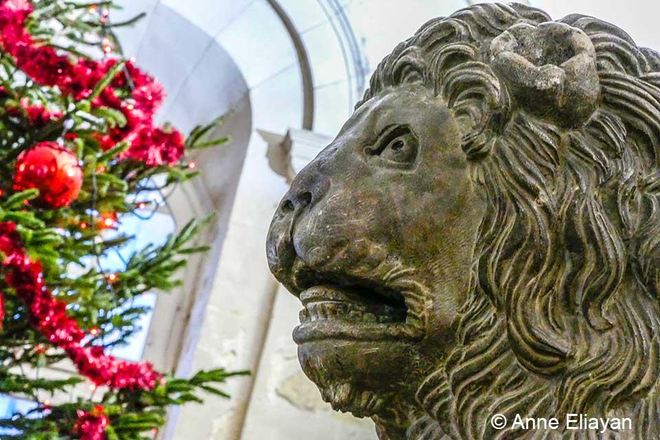 lion-mairie-noel-arles-gallery