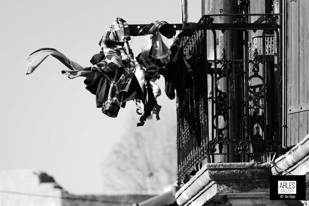mistral-au-balcon-arles-gallery