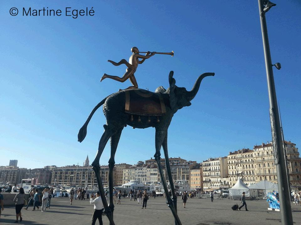 un-elephant-qui-bouche-le-port-de-marseille-photo-martine-egele_still_tmp