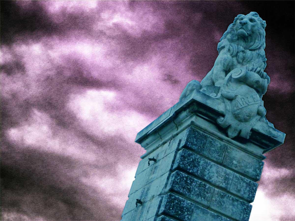 quai-lion-arles-gallery-anne-eliayan