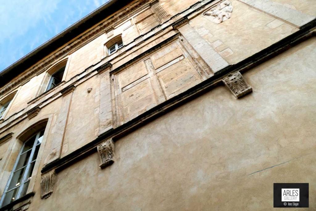 Arles, bas et hauts, c'est beau.