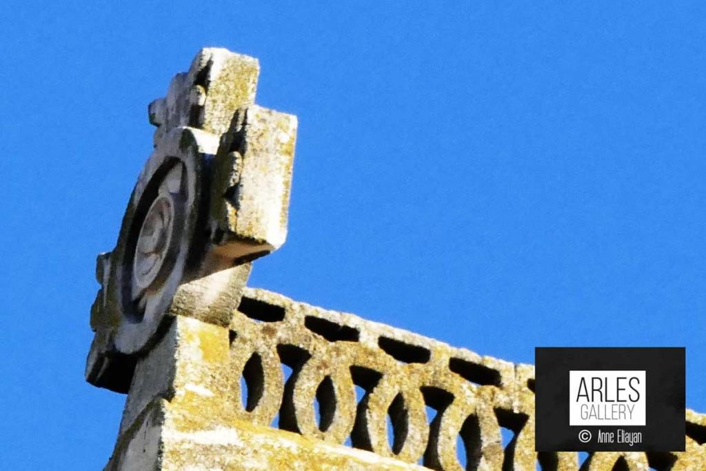 Réponse : le haut de Saint Trophime Arles