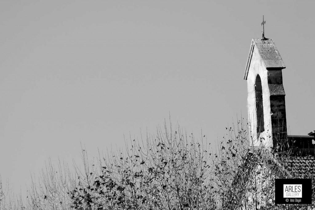 Clocher de saint Cezaire par Anne Eliayan pour Arles Gallery