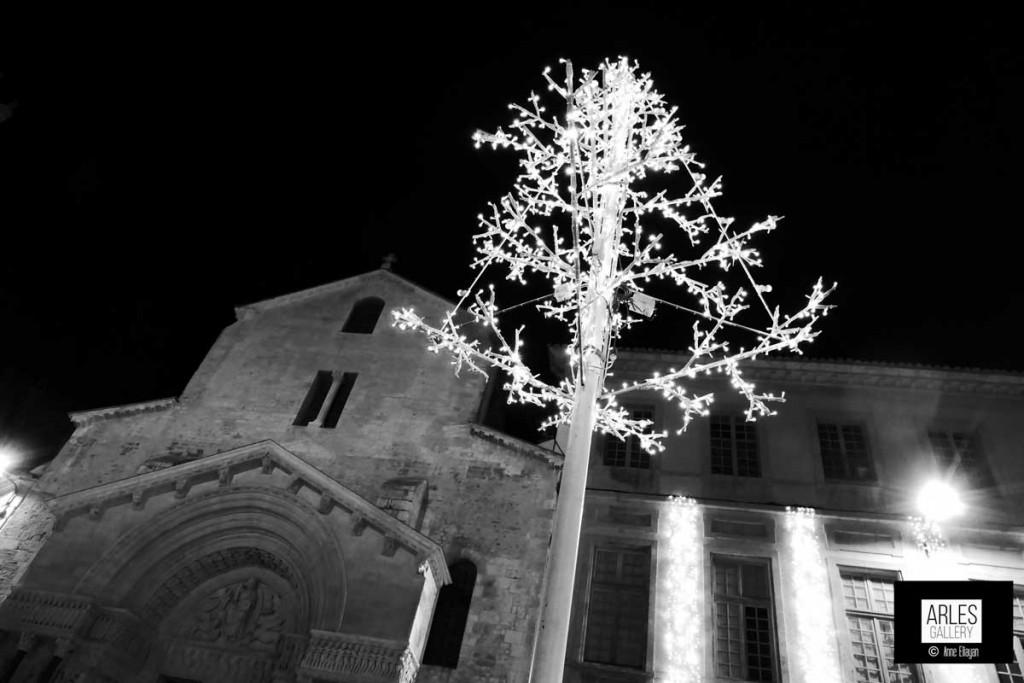 Place de la République par Anne Eliayan pour Arles Gallery