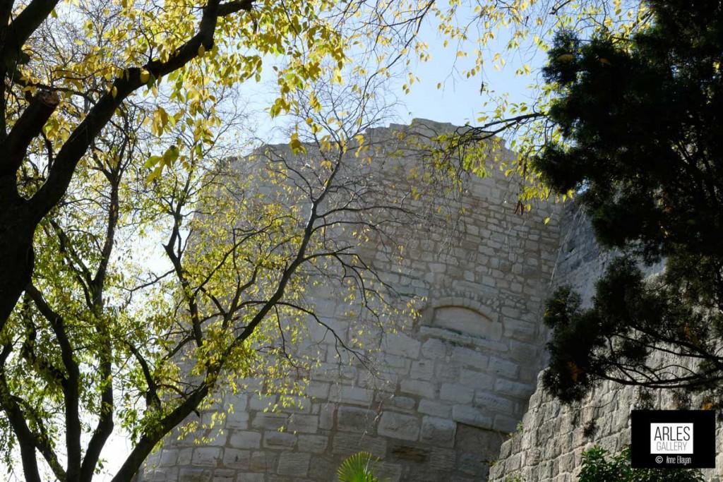 Tour des Mourgues par Anne Eliayan pour Arles Gallery