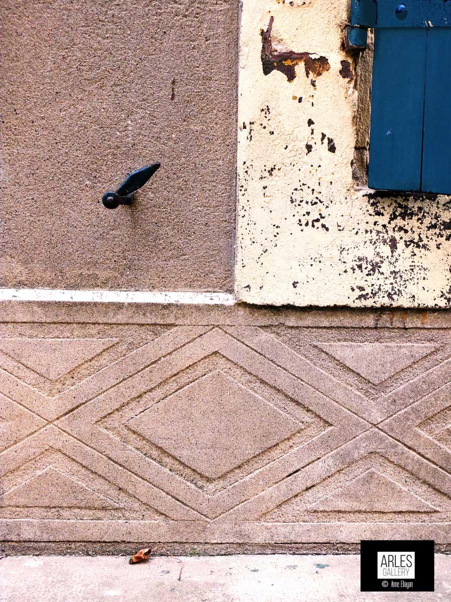 bleu-volet-losanges-arles-gallery
