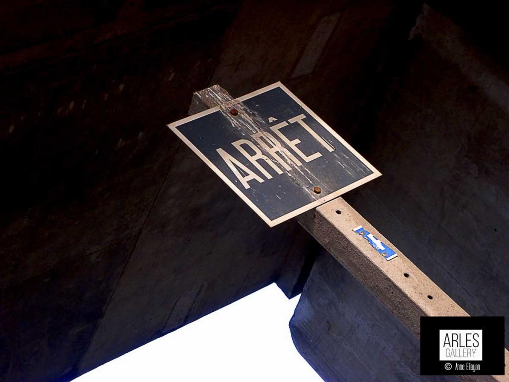 arret-sous-pont-arles-photographie-Anne-Eliayan