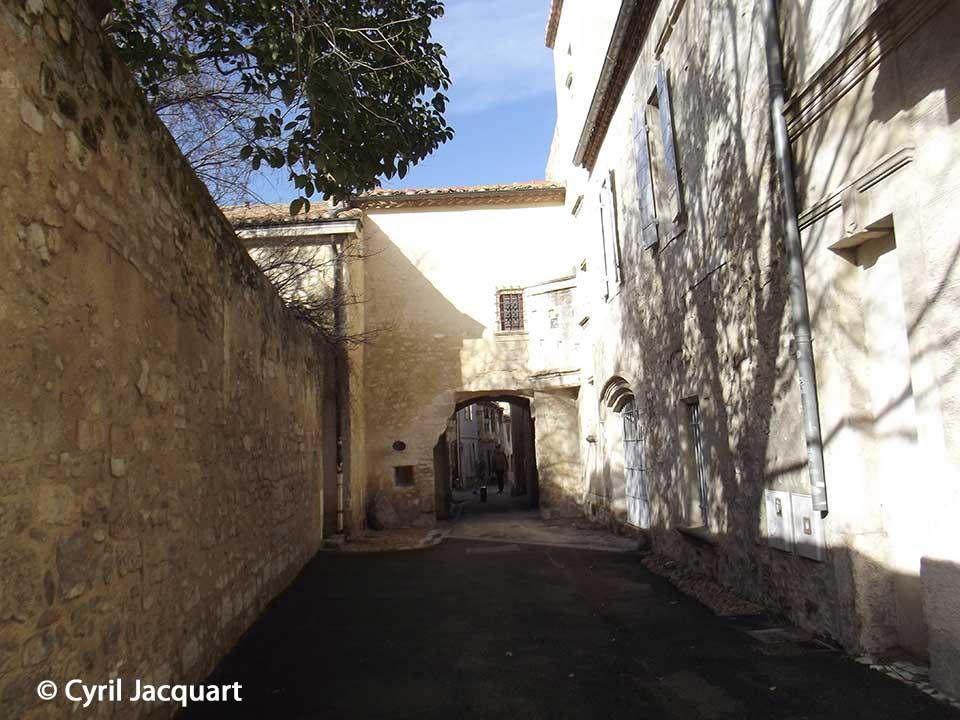 Promenade-en-Arles-Cyril-Jacquart