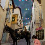 photo-a-cheval-donne-wonderland-arles-gallery-anne-eliayan