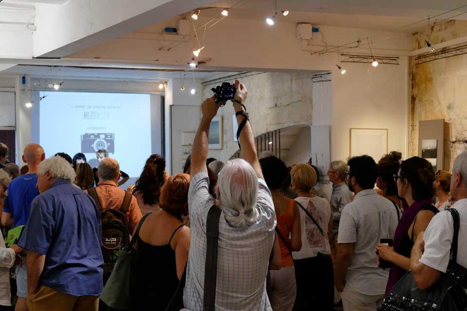 anne-eliayan-arles-gallery-vernissage-les-photos-de-van-gogh-11