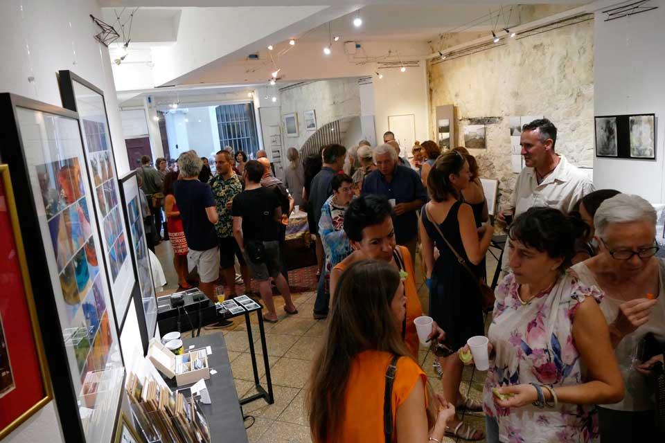 anne-eliayan-arles-gallery-vernissage-les-photos-de-van-gogh-13
