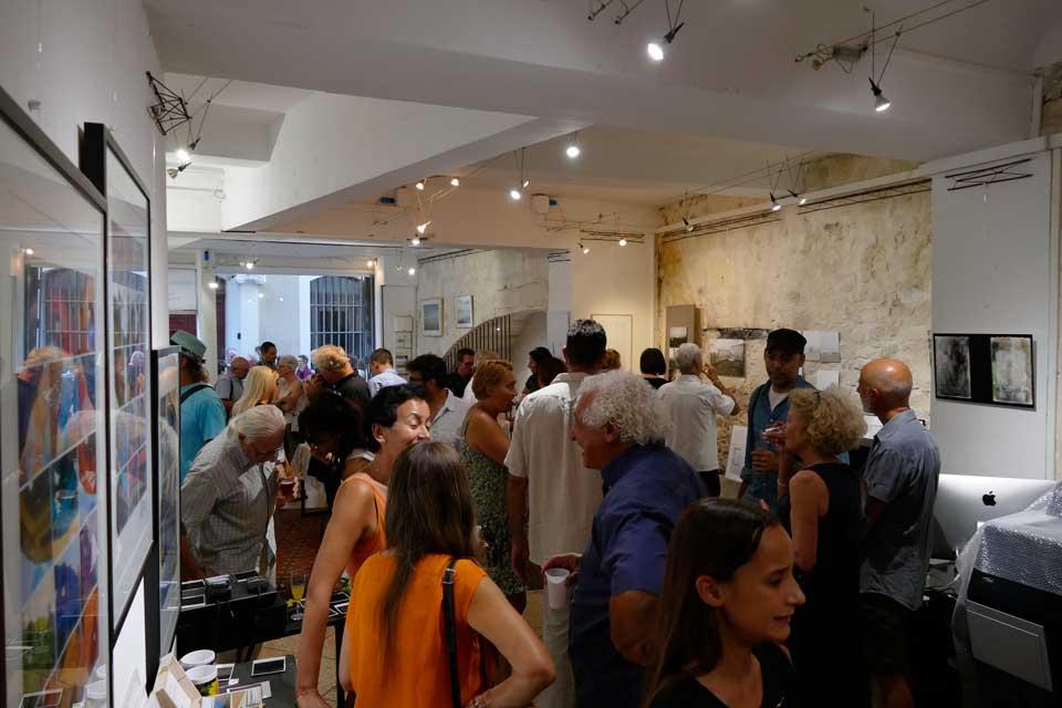 anne-eliayan-arles-gallery-vernissage-les-photos-de-van-gogh-16