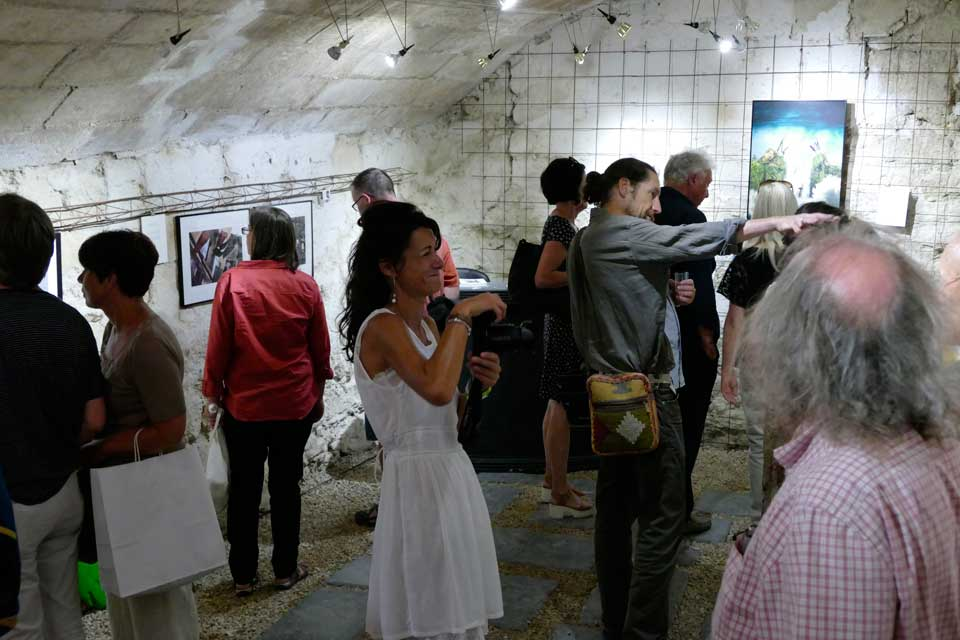 anne-eliayan-arles-gallery-vernissage-les-photos-de-van-gogh-18