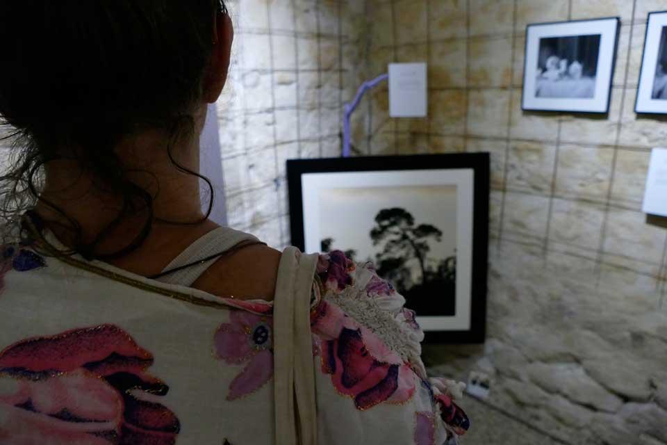 anne-eliayan-arles-gallery-vernissage-les-photos-de-van-gogh-20
